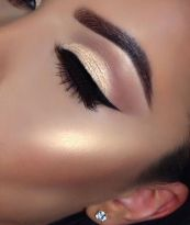 3c164ce845e58544b7c470b265450f14--eye-makeup-tips-makeup-goals