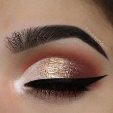 cbfda67e021d174dbe645ad429e50acf--makeup-looks-cut-crease-cut-crease-glitter-makeup