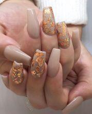 thumbnail_0fd5b0240a9015b0cf5970b2eb59d4fa--gold-leaf-nail-art-gold-marble-nails