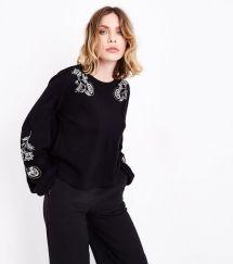 black-embroidered-balloon-sleeve-jumper