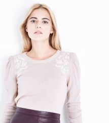 pink-embroidered-puff-sleeve-jumper